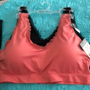 NWT Laura Ashley 2 Pack Plus Size seamless bras